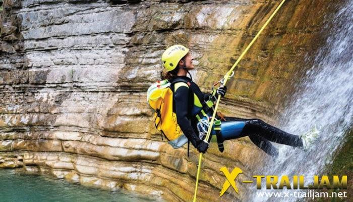 Canyoning กีฬา extreme ท้าทายการเดินทาง